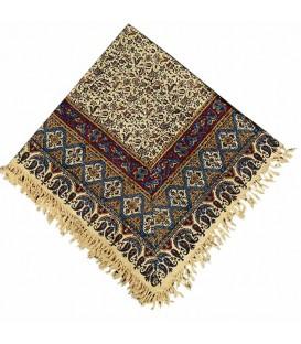 رومیزی مربعی قلمکار یک متری صادراتی طرح گل و بوته زمینه کرمی